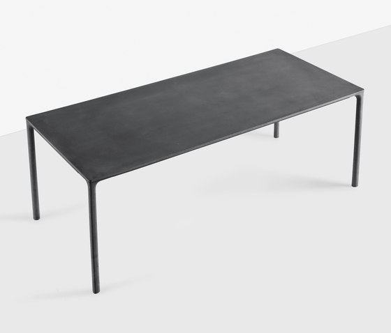 Boiacca by Kristalia | Dining tables