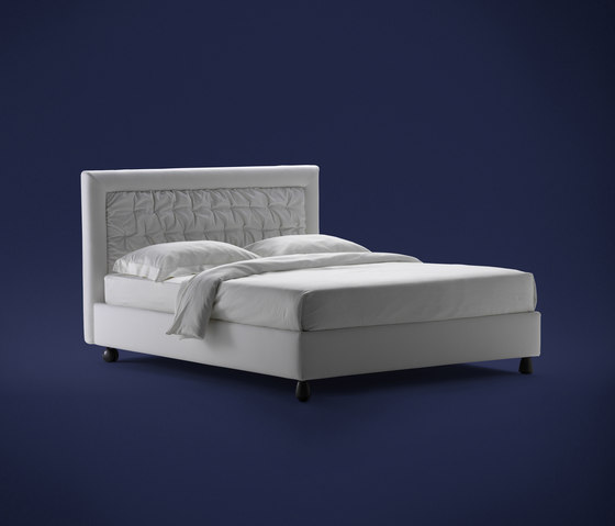 Pochette Bed by Flou | Double beds