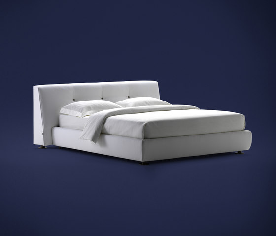 Stil Novo Bed by Flou | Double beds