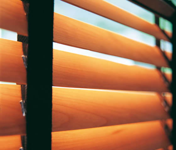 Venetian Blinds wood de Ann Idstein | Rideaux à tirage cordon