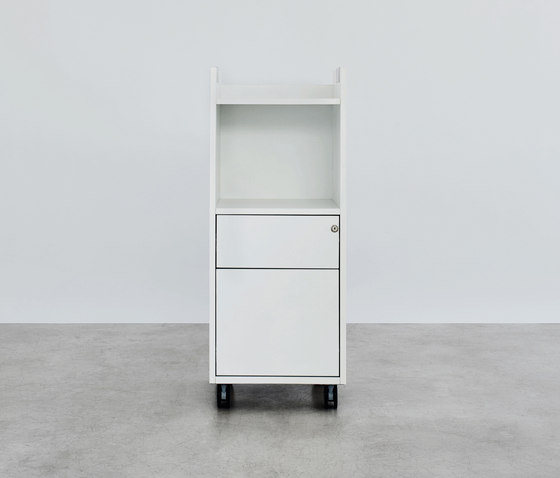 Pick Up personal pedestral by ophelis | Cabinets