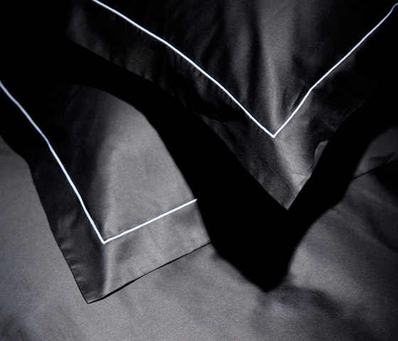 Satin uni by Christian Fischbacher | Bed covers / sheets