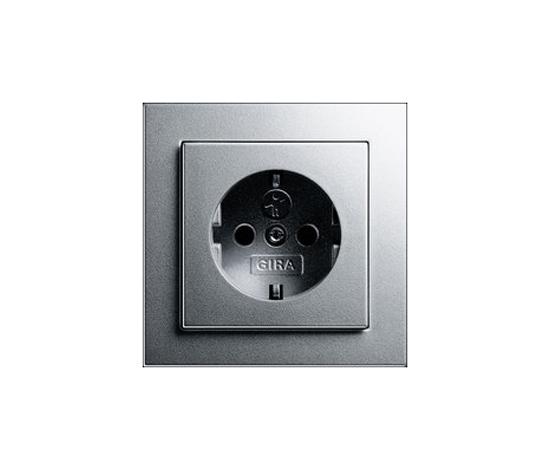 E2 | Steckdose mit Kinderschutz by Gira | Schuko sockets