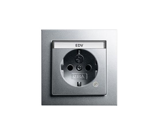 E2 | Steckdose mit Kontrolllicht by Gira | Schuko sockets
