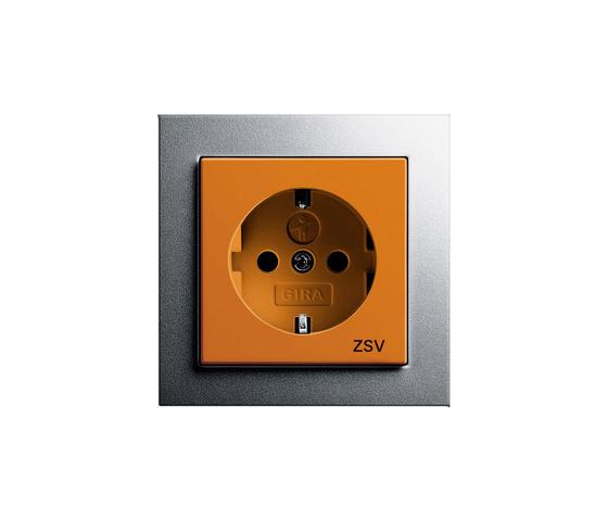 E2 | Steckdose mit Sicherheitsvorsorgung di Gira | Prese Schuko