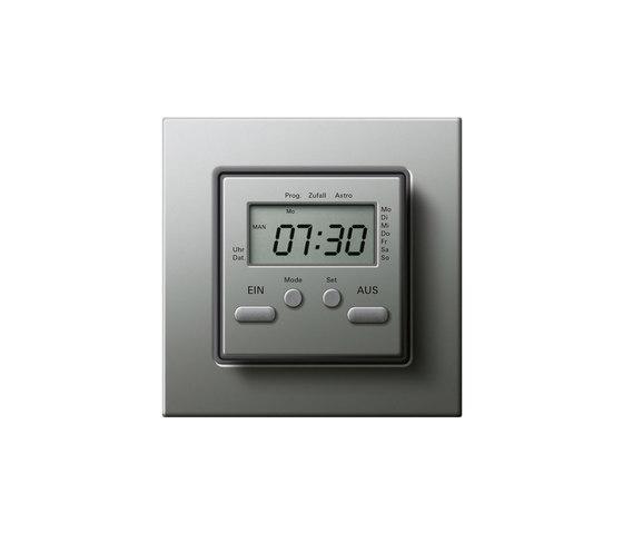 E22 | Elektronische Zeitschaltuhr by Gira | Timers