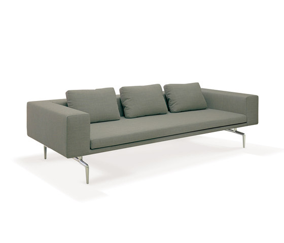Lenao Sofa by PIURIC | Lounge sofas