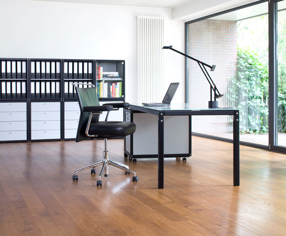 Profilsystem by Flötotto | Individual desks