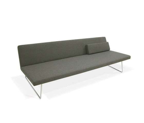 Slim Sofa by PIURIC | Lounge sofas