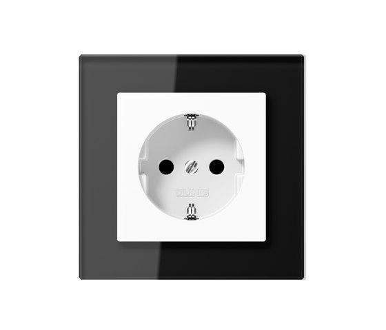 A creation socket by JUNG   Schuko sockets