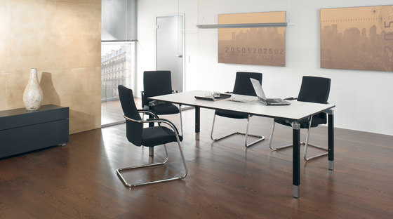 Antaro Desking programme by Assmann Büromöbel | Meeting room tables