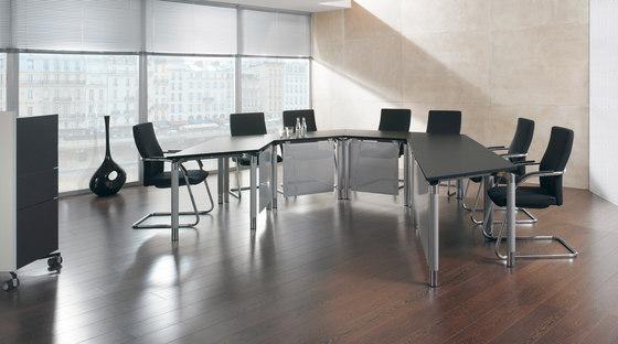 Antaro Schreibtischsystem von Assmann Büromöbel | Konferenztischanlagen
