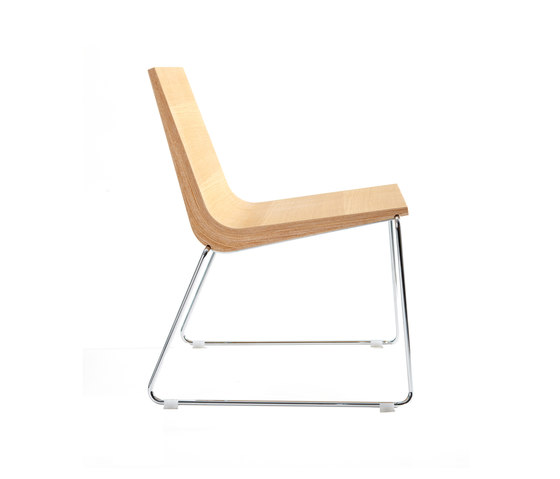 Boomerang XL Chair by ONDARRETA | Lounge chairs