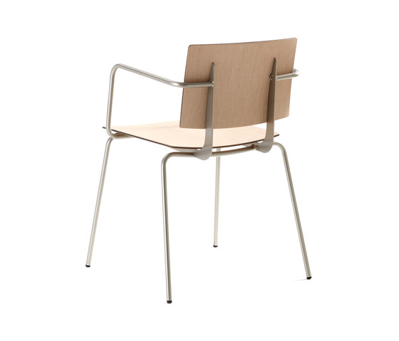 Don Chair with armrests di ONDARRETA | Sedie multiuso