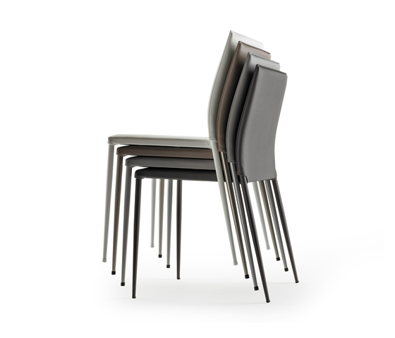 Moka Chair by ONDARRETA | Visitors chairs / Side chairs