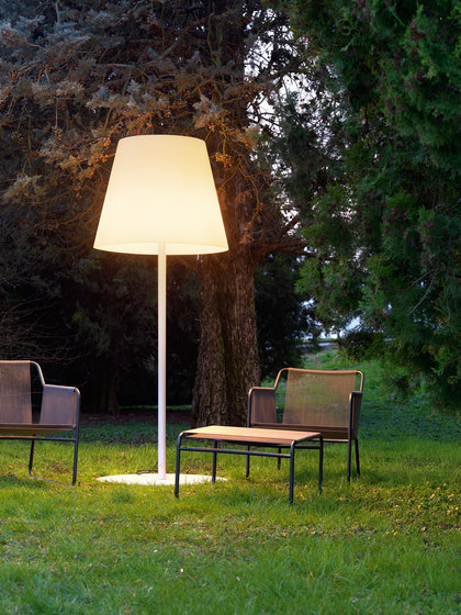 Amax Outdoor Floor lamp by FontanaArte | General lighting