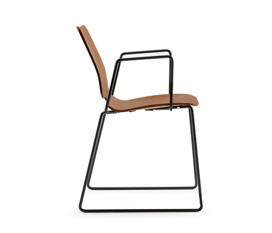Noa Skid Chair with armrests by ONDARRETA | Multipurpose chairs