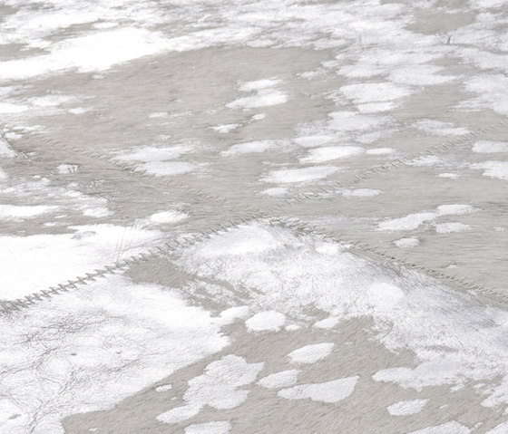 Body & Soul silver rain von kymo | Formatteppiche / Designerteppiche