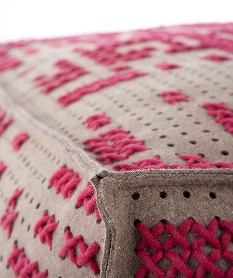 Canevas Pouf Soft Abstract Pink 1 von GAN | Poufs / Polsterhocker