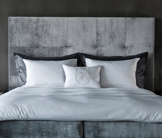 Square headboard by Nilson Handmade Beds | Bed headboards