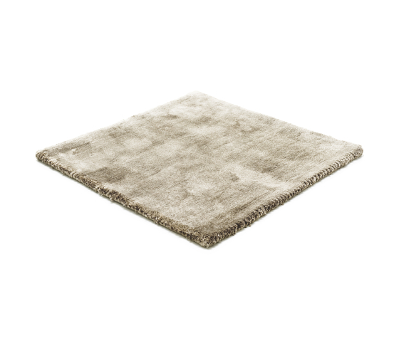 Studio NYC Low Cut frosty grey by kymo | Rugs / Designer rugs