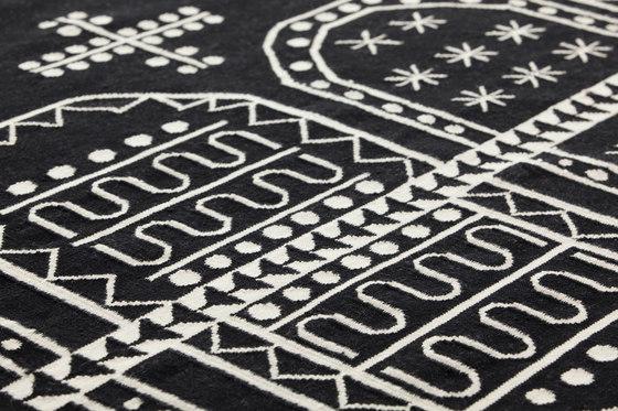 Tasili Rug 1 von GAN | Formatteppiche / Designerteppiche