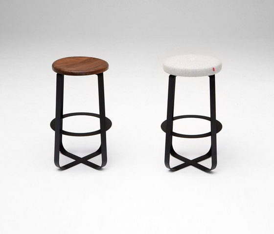 Primi Counter Stool de Phase Design | Taburetes de bar