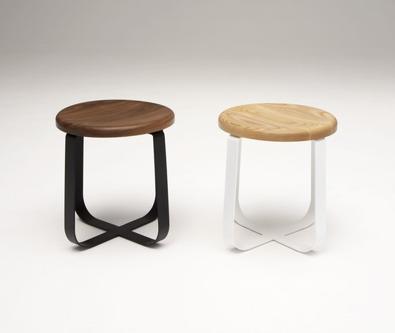 Primi Low Stool di Phase Design | Sgabelli