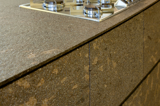 cinquecento kochinsel holz arthesi arbeitsplatte schwarzer marmor
