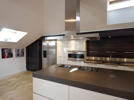 Queen by Arthesi | Fitted kitchens