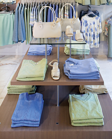 Area 13 von Shopfitting systems by Vitra | Einpunktsysteme