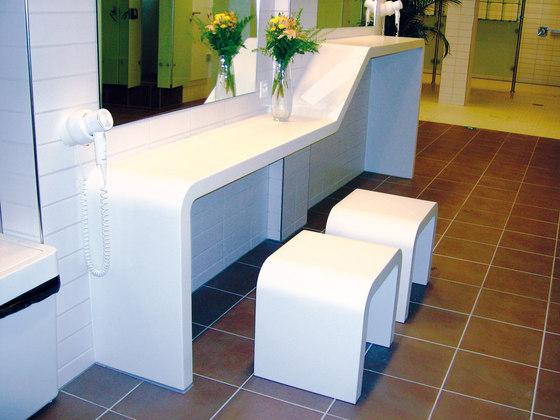 STARON® Table by Staron | Bar tables