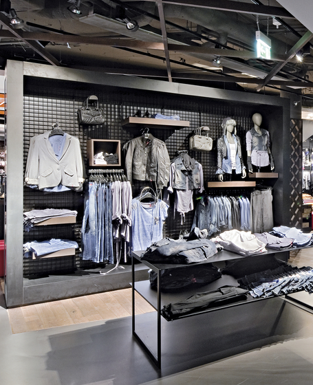Grid 50 von Shopfitting systems by Vitra   Kombisysteme