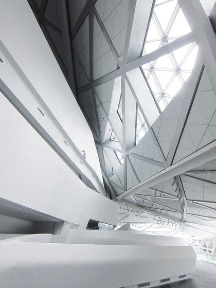 STARON® Treppe von Staron | Geländer / Brüstungen