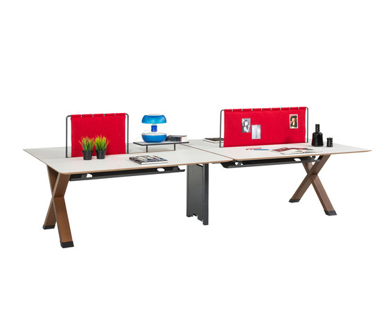 Partita Operational Desk System di Koleksiyon Furniture | Pareti scrivanie