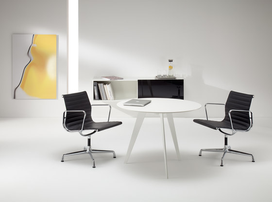 LinieM by Müller Manufaktur | Meeting room tables