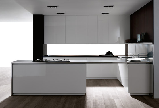 Diez blanco seeateng by DOCA | Fitted kitchens