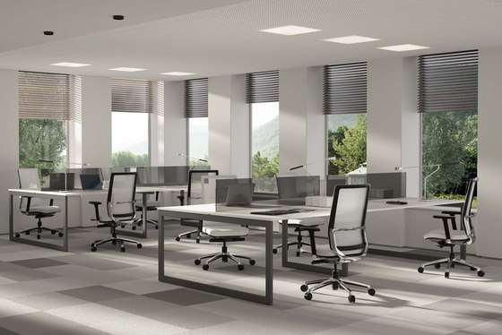 V30 by Forma 5 | Desking systems