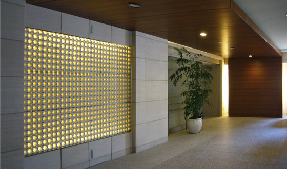 Porous model 1 screen in-situ by Kenzan | Facade design
