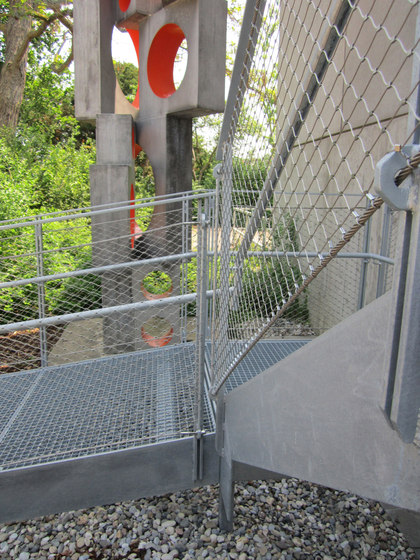 X-TEND | railing infill outside by Carl Stahl ARC | Metal weaves / meshs