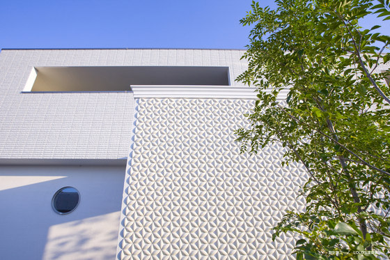 Flower circle in-situ by Kenzan | Facade design