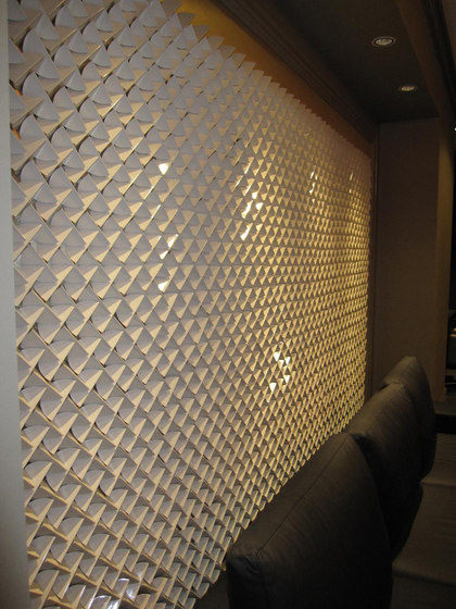 Deco wall leaf in-situ di Kenzan