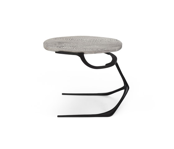 Wishbone Side Table de CASTE | Mesas auxiliares