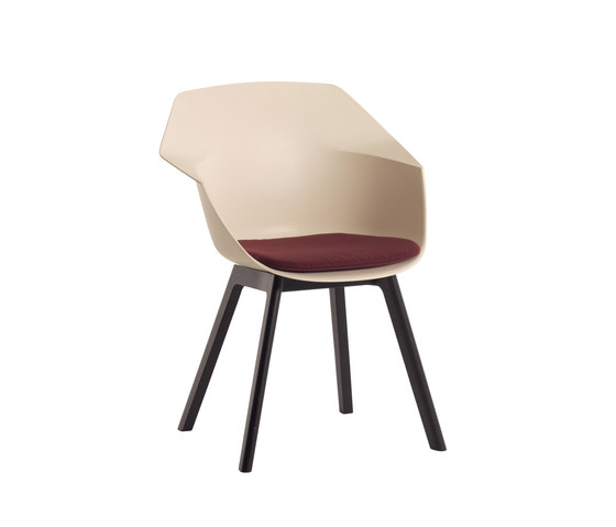 Wila by Atelier Pfister | Visitors chairs / Side chairs
