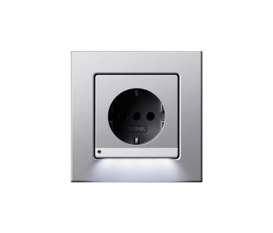 SCHUKO-socket outlet LED | Esprit di Gira | Prese Schuko