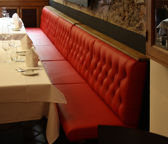 Restaurant OX Steakhouse | Chesterfield by KURTH Manufaktur | Benches