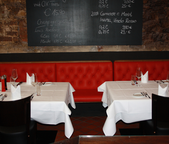 Restaurant OX Steakhouse | Chesterfield by KURTH Manufaktur | Restaurant seating systems