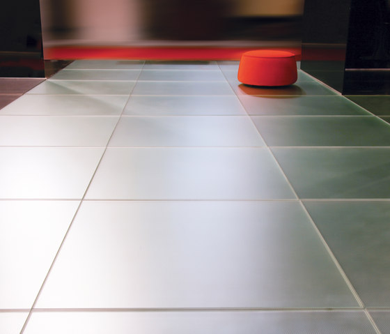Madras® Pixel Flooring by Vitrealspecchi | Glass flooring