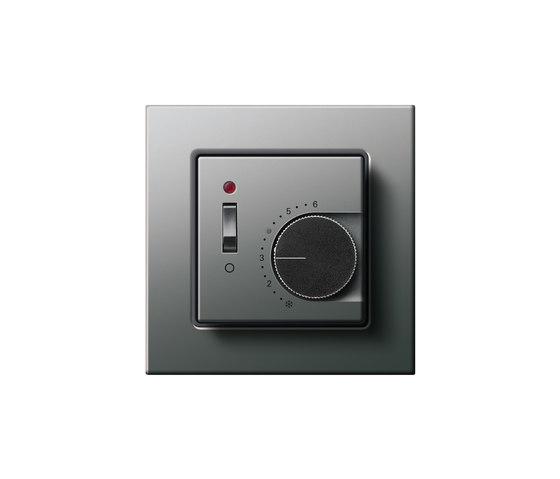 Raumtemperaturregler mit Ein-| Ausschalter | E22 di Gira | Gestione riscaldamento / condizionamento