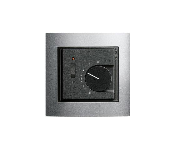 Raumtemperaturregler mit Ein-| Ausschalter | Event di Gira | Gestione riscaldamento / aria condizionata